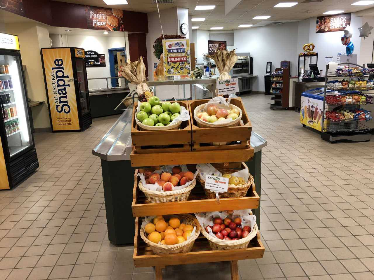 Farm-to-Tray Produce Stand